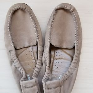 Soft leather driving mocs